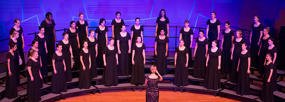 Women's Choir 2017.18.jpg